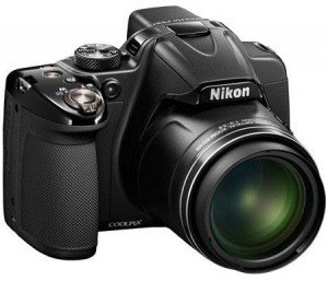 Černá EVF zrcadlovka značky Nikon